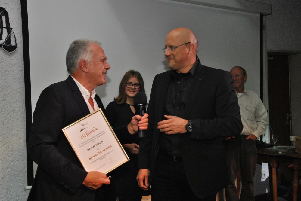 Abfliegeabend: Preisträger Berndt Mixich und Andre Keller